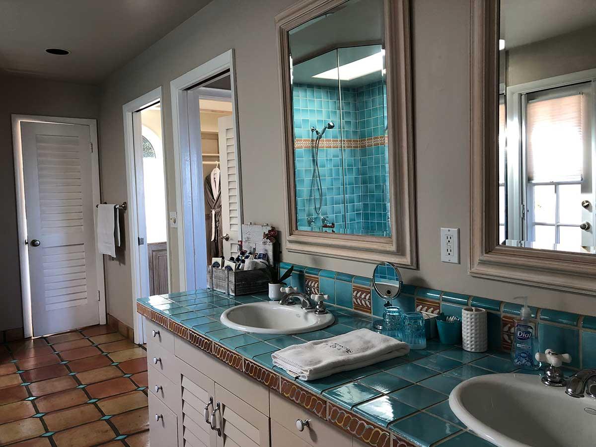 The Chatham Suite Bath - Kate Stanton BB Encinitas, CA
